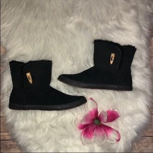 NEW UGG black ankle boots size 6